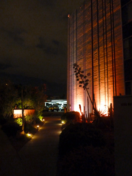 hip hotel light.7