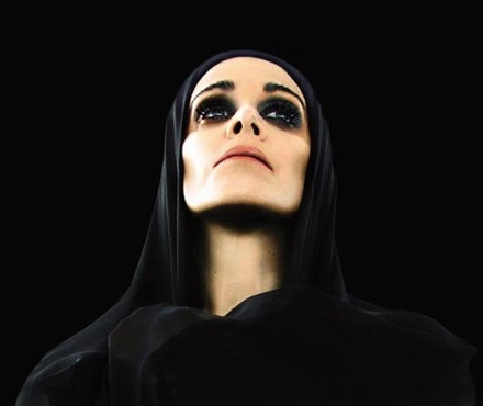 Diamanda Galas - searching for the photographer)
